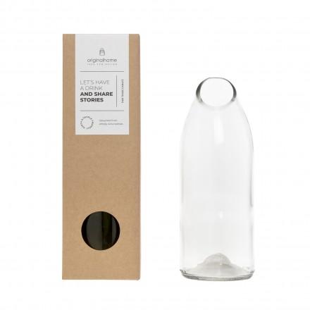 Upcycling-Glaskaraffe klar